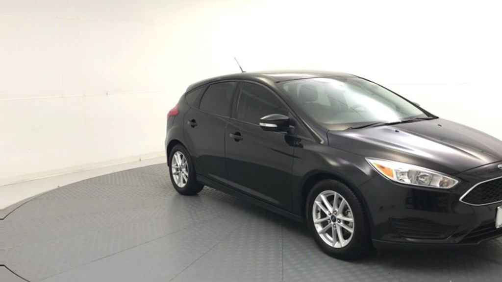2015 Ford Focus 5dr Hatchback SE - 17999969 - 1