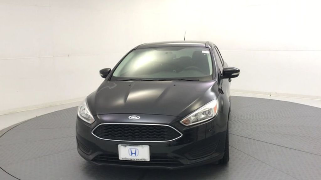 2015 Ford Focus 5dr Hatchback SE - 17999969 - 2