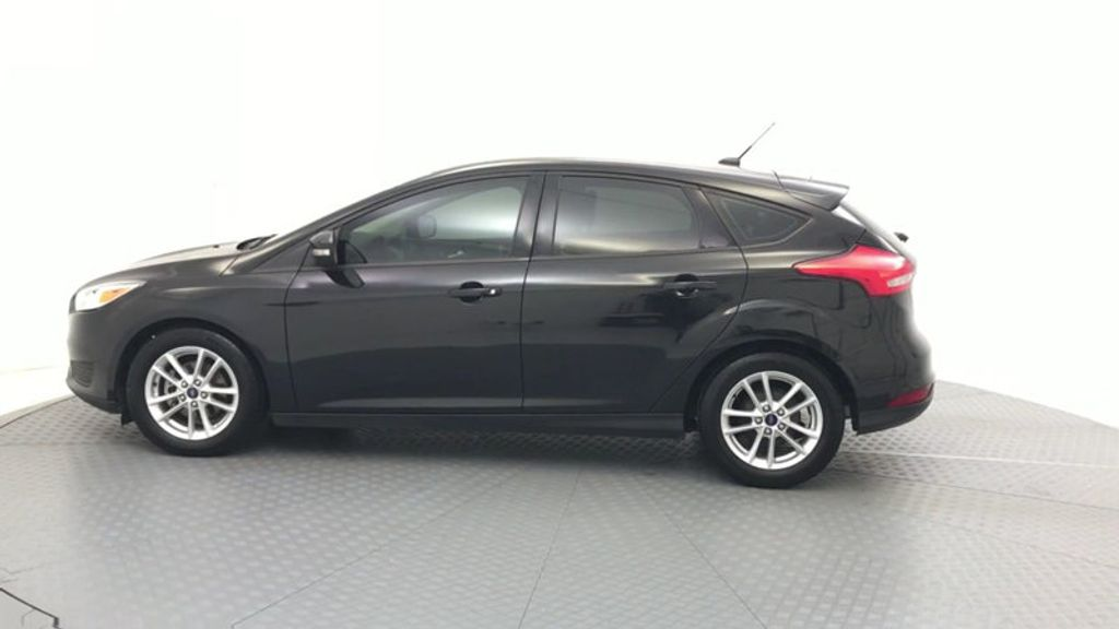 2015 Ford Focus 5dr Hatchback SE - 17999969 - 4