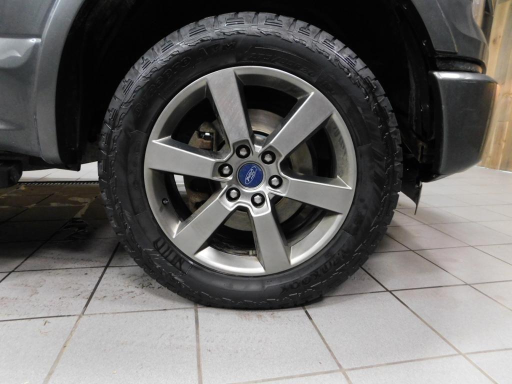 2015 Ford F-150 Lariat - 18022525 - 39