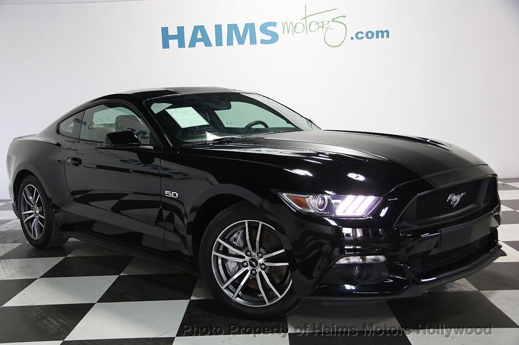 2015 Ford Mustang 2dr Fastback GT Premium - 16997592 - 3