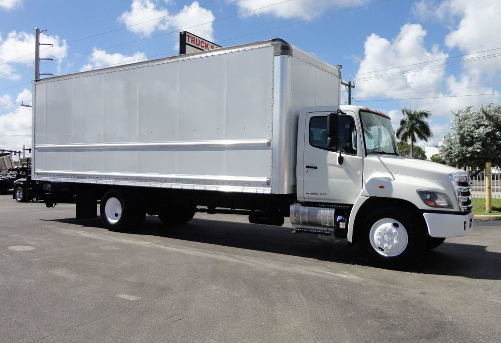 2015 HINO 268 26FT DRY BOX TRUCK . CARGO TRUCK WITH LIFTGATE - 18212180 - 0