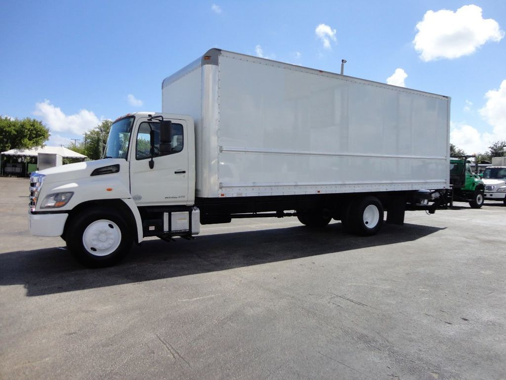 2015 HINO 268 26FT DRY BOX TRUCK . CARGO TRUCK WITH LIFTGATE - 18212180 - 2