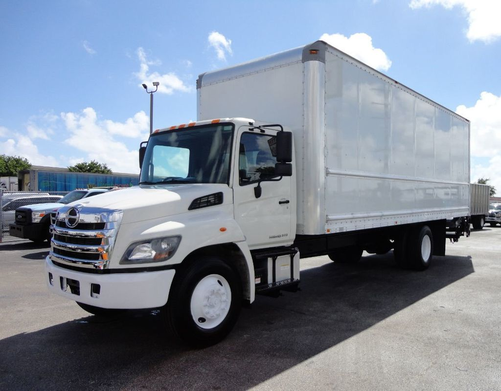 2015 HINO 268 26FT DRY BOX TRUCK . CARGO TRUCK WITH LIFTGATE - 18212181 - 0