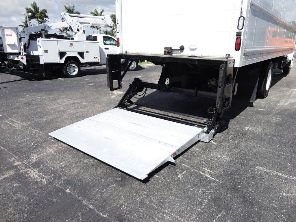 2015 HINO 268 26FT DRY BOX TRUCK . CARGO TRUCK WITH LIFTGATE - 18212181 - 26