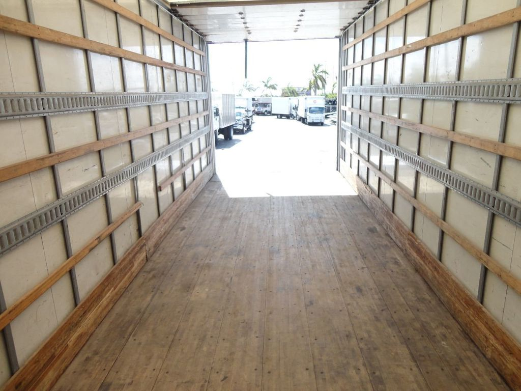 2015 HINO 268 26FT DRY BOX TRUCK . CARGO TRUCK WITH LIFTGATE - 18212181 - 30