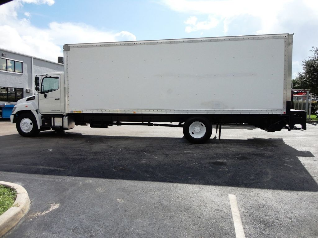 2015 HINO 268A 26FT DRY BOX TRUCK. CARGO TRUCK WITH LIFTGATE - 19274492 - 5