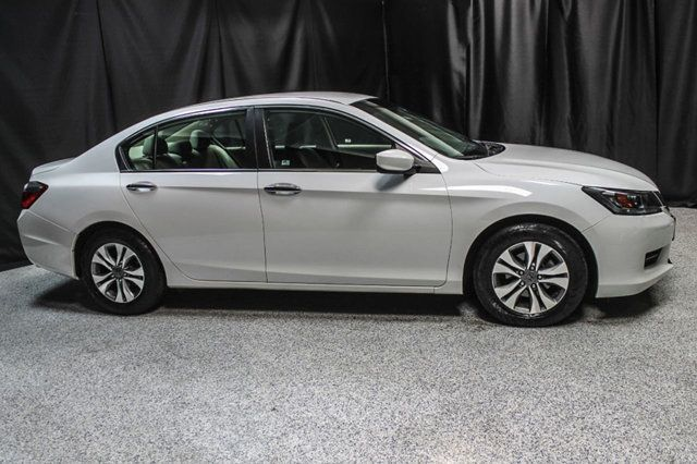 2015 Honda Accord Sedan 4dr I4 CVT LX - 17263765 - 11