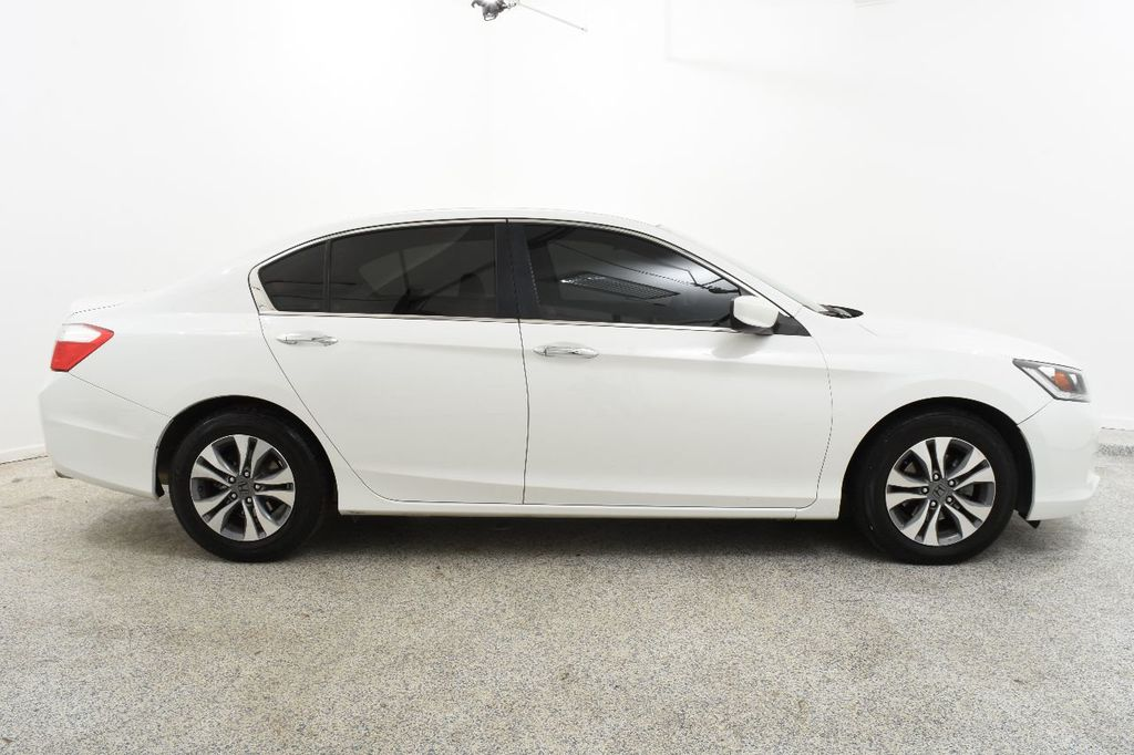 2015 Honda Accord Sedan 4dr I4 CVT LX - 17302226 - 9