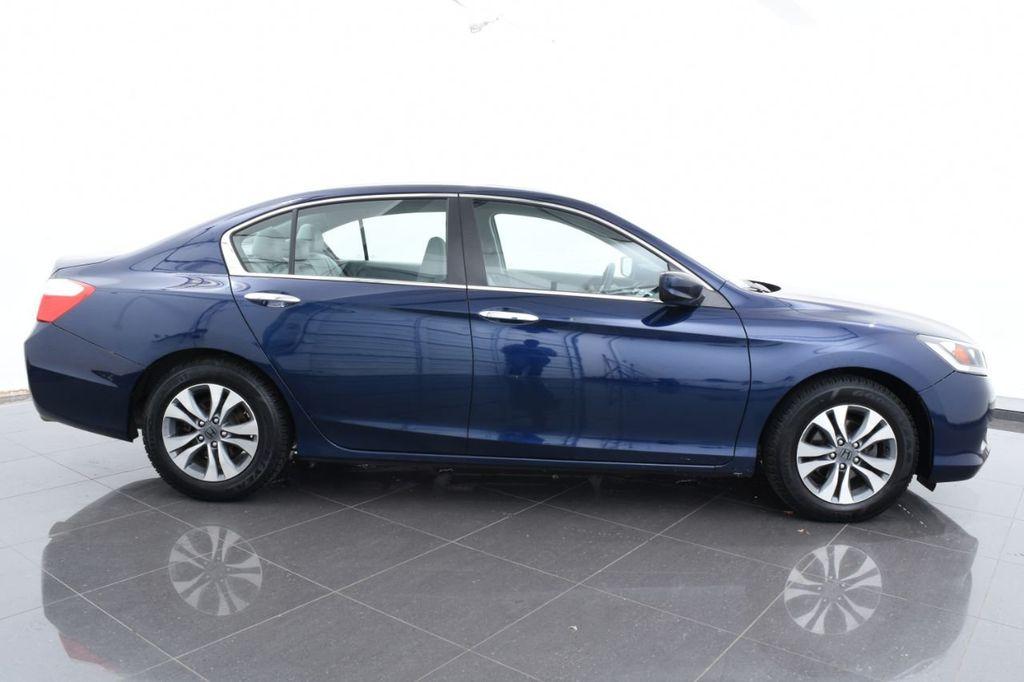 2015 Honda Accord Sedan 4dr I4 CVT LX - 17959214 - 11