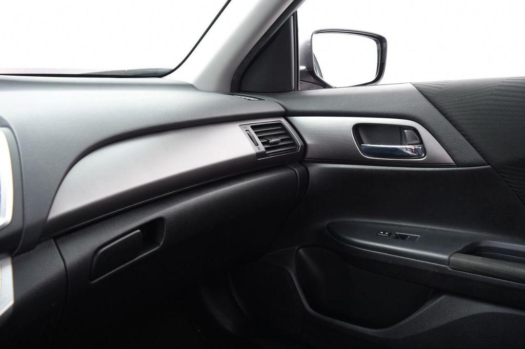 2015 Honda Accord Sedan 4dr I4 CVT LX - 17962581 - 32