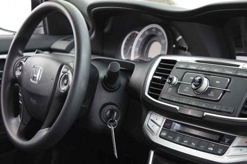 2015 Honda Accord Sedan 4dr I4 CVT LX - 17962581 - 33
