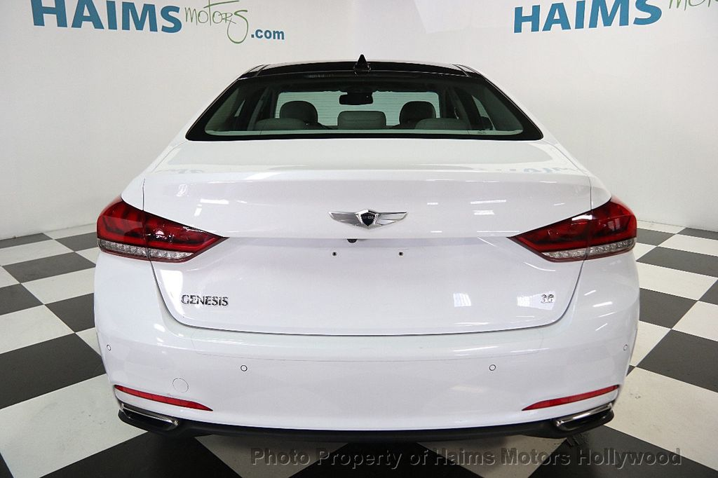 2015 Hyundai Genesis Base Trim - 16577530 - 4