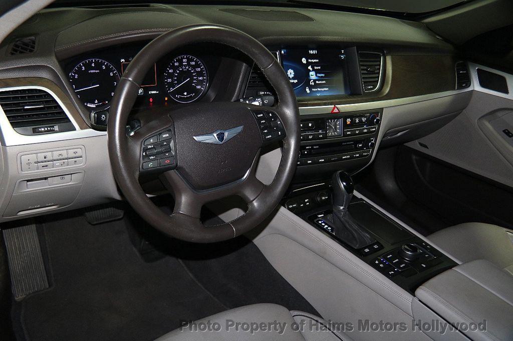 2015 Hyundai Genesis Base Trim - 17521492 - 18