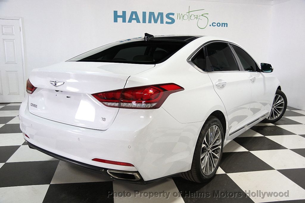 2015 Hyundai Genesis Base Trim - 17521492 - 5
