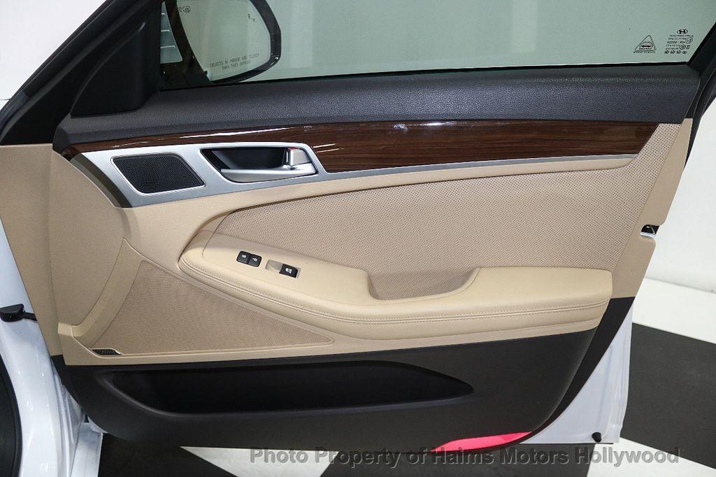 2015 Hyundai Genesis Base Trim - 17851849 - 12