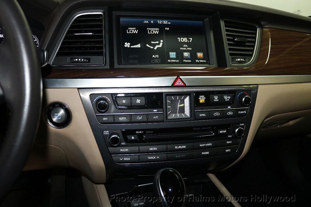 2015 Hyundai Genesis Base Trim - 17851849 - 19