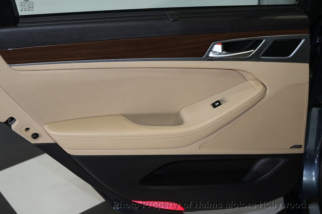 2015 Hyundai Genesis Base Trim - 18147493 - 11