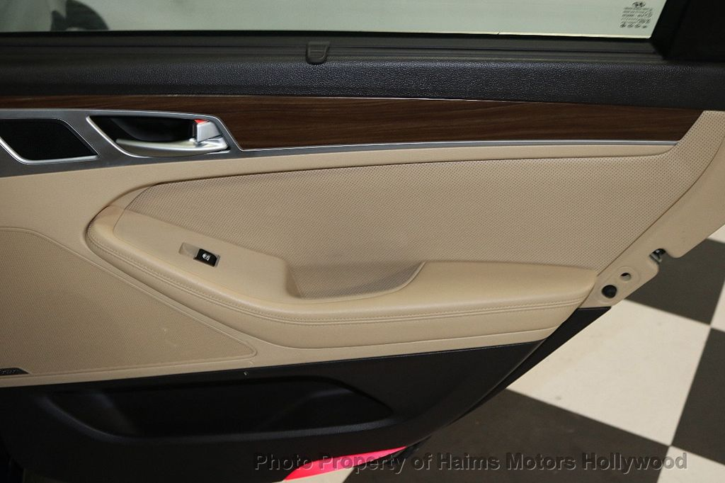 2015 Hyundai Genesis Base Trim - 18147493 - 12
