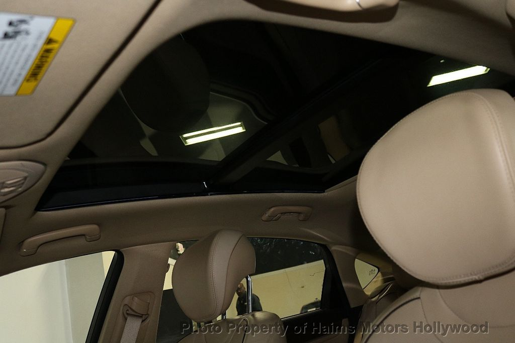 2015 Hyundai Genesis Base Trim - 18147493 - 19
