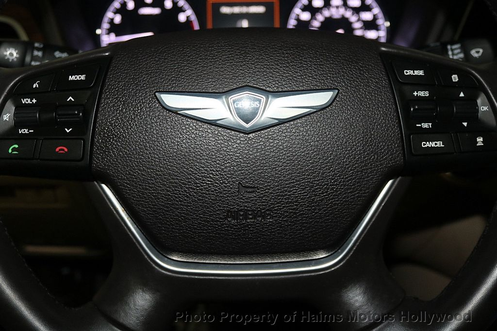 2015 Hyundai Genesis Base Trim - 18147493 - 28
