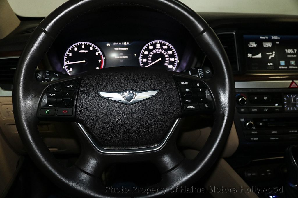 2015 Hyundai Genesis Base Trim - 18147493 - 29