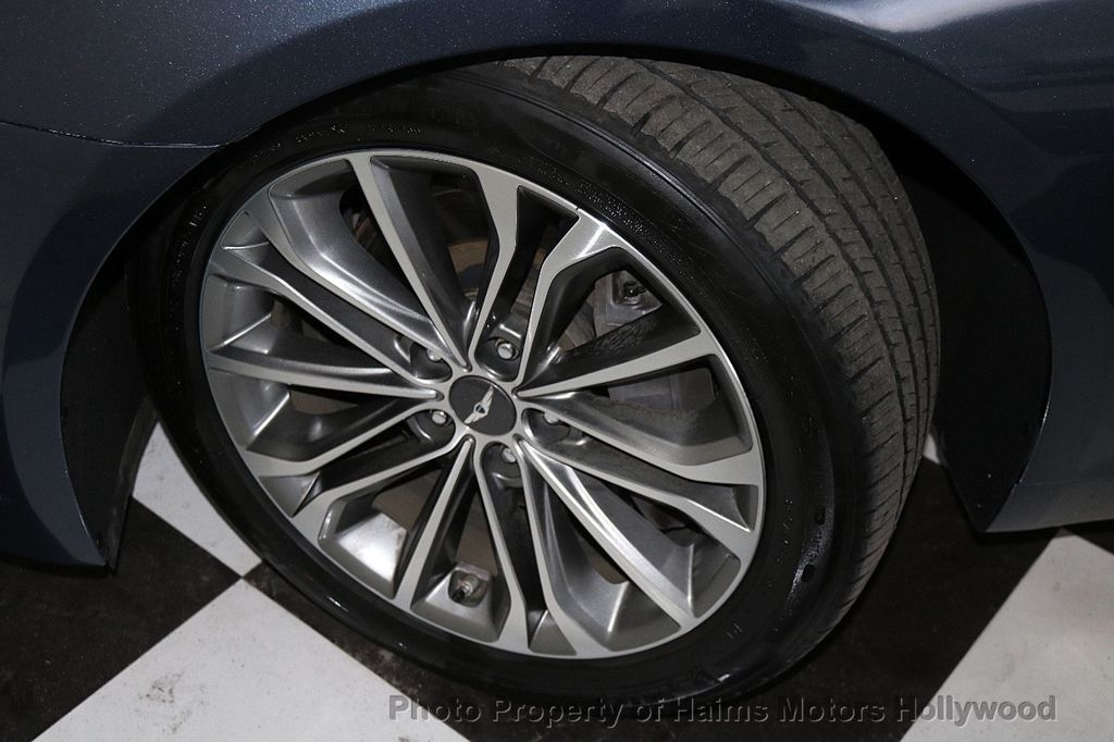 2015 Hyundai Genesis Base Trim - 18147493 - 32