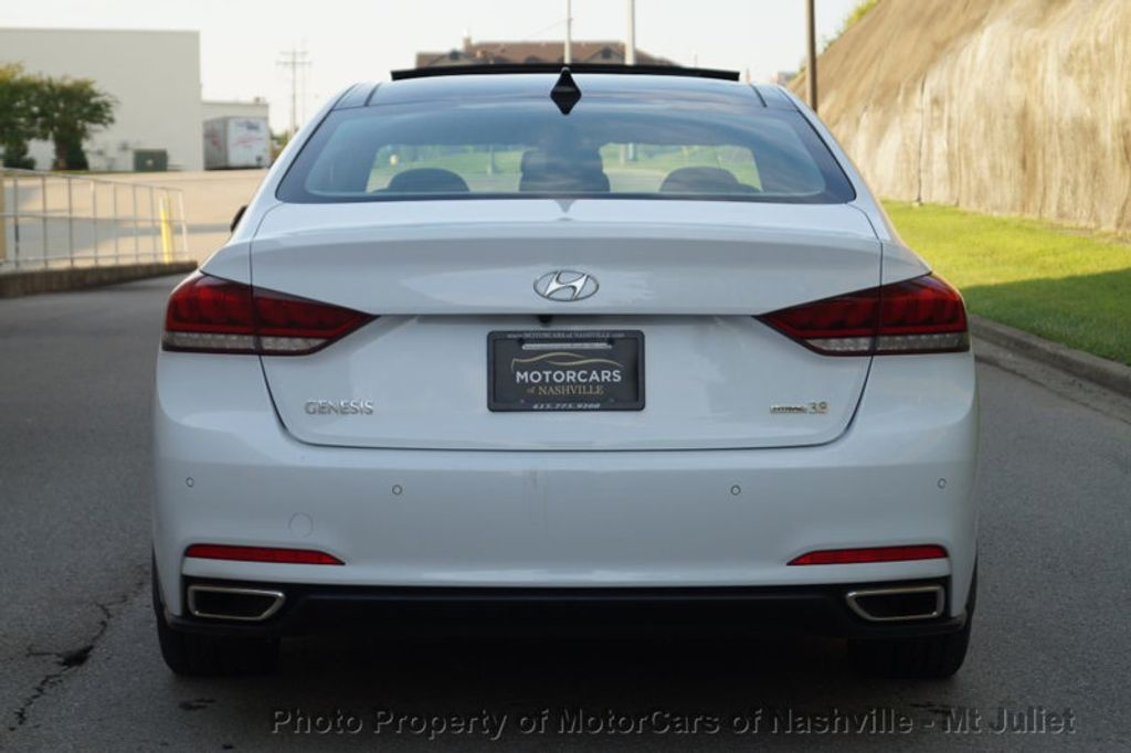 2015 Hyundai Genesis Base Trim - 17869992 - 9