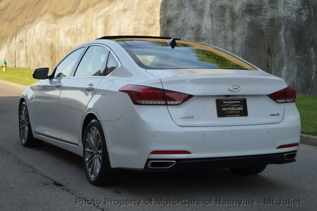 2015 Hyundai Genesis Base Trim - 17869992 - 10