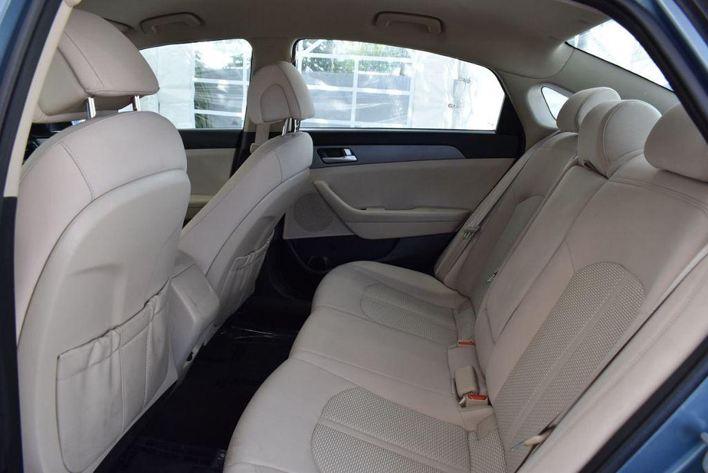 2015 Hyundai Sonata 4dr Sedan 2.4L SE - 18546145 - 12