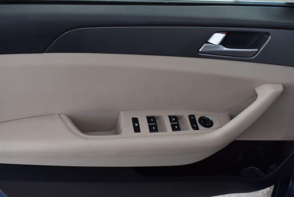 2015 Hyundai Sonata 4dr Sedan 2.4L SE - 18546145 - 14
