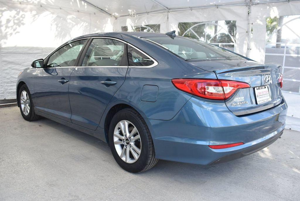 2015 Hyundai Sonata 4dr Sedan 2.4L SE - 18546145 - 5