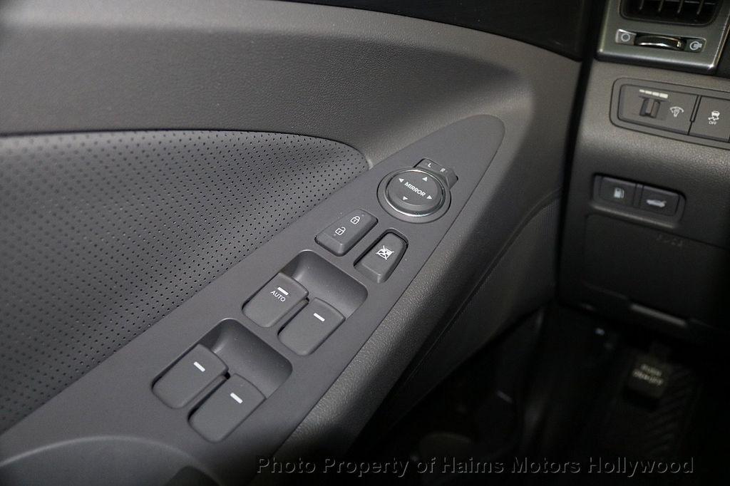 2015 Hyundai Sonata Hybrid 4dr Sedan Limited - 17680788 - 25