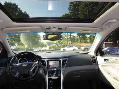 2015 Hyundai Sonata Hybrid 4dr Sedan Limited Hybrid - Click to see full-size photo viewer