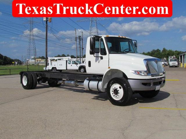 2015 International 4300 Cab Chassis - 14307324 - 0