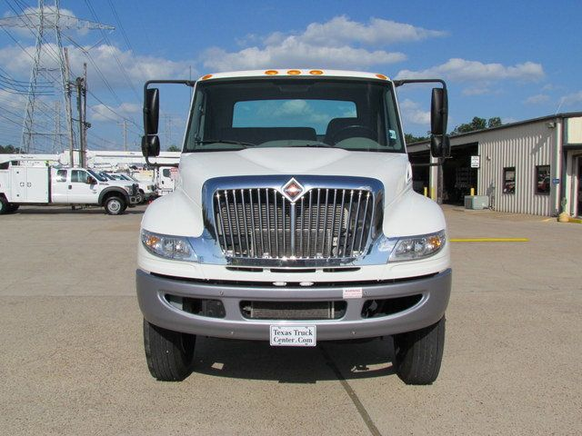 2015 International 4300 Cab Chassis - 14307324 - 2