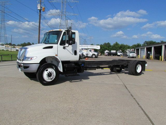 2015 International 4300 Cab Chassis - 14307324 - 4