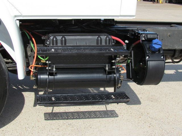 2015 International 4300 Cab Chassis - 14307324 - 8