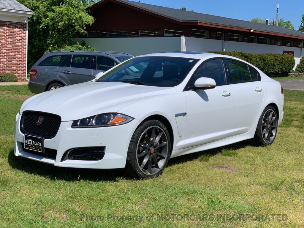 2015 Jaguar XF 4dr Sedan V6 Sport AWD - 18998965 - 3