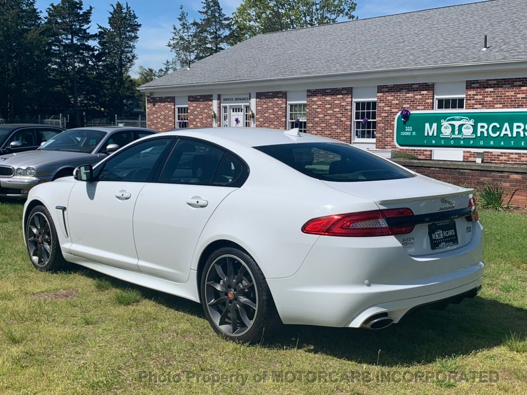 2015 Jaguar XF 4dr Sedan V6 Sport AWD - 18998965 - 4