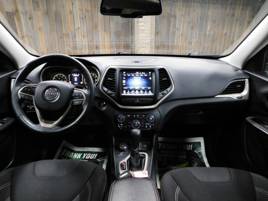 2015 Jeep Cherokee Latitude - 18198050 - 26