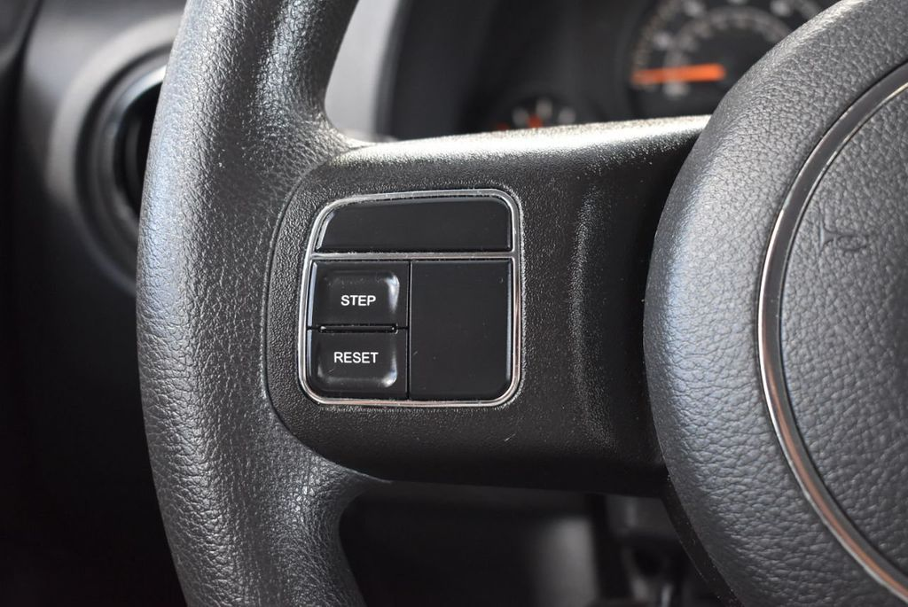 2015 Jeep Compass FWD 4dr Sport - 18415861 - 19