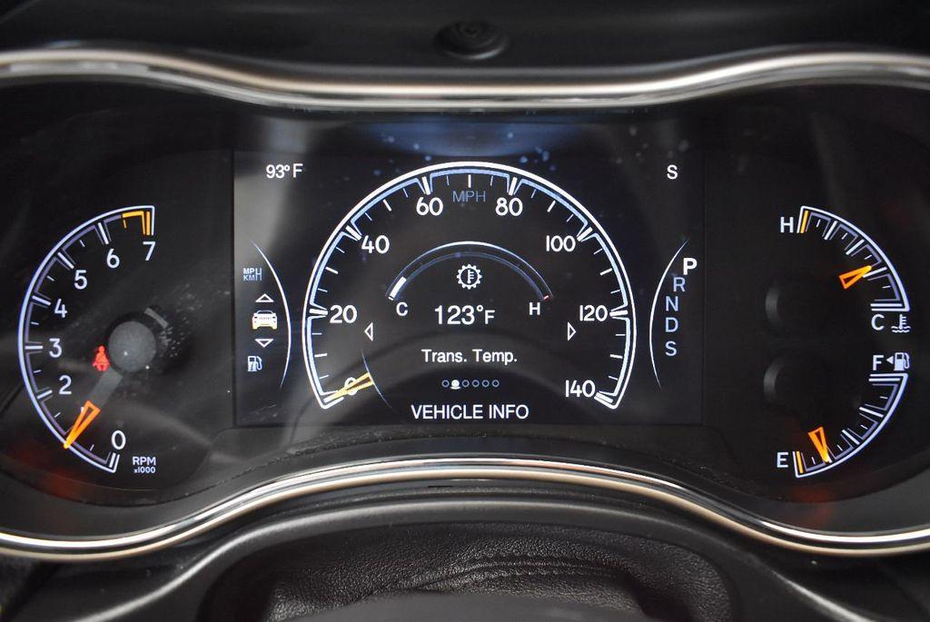 2015 Jeep Grand Cherokee 4WD 4dr Laredo - 17875117 - 16