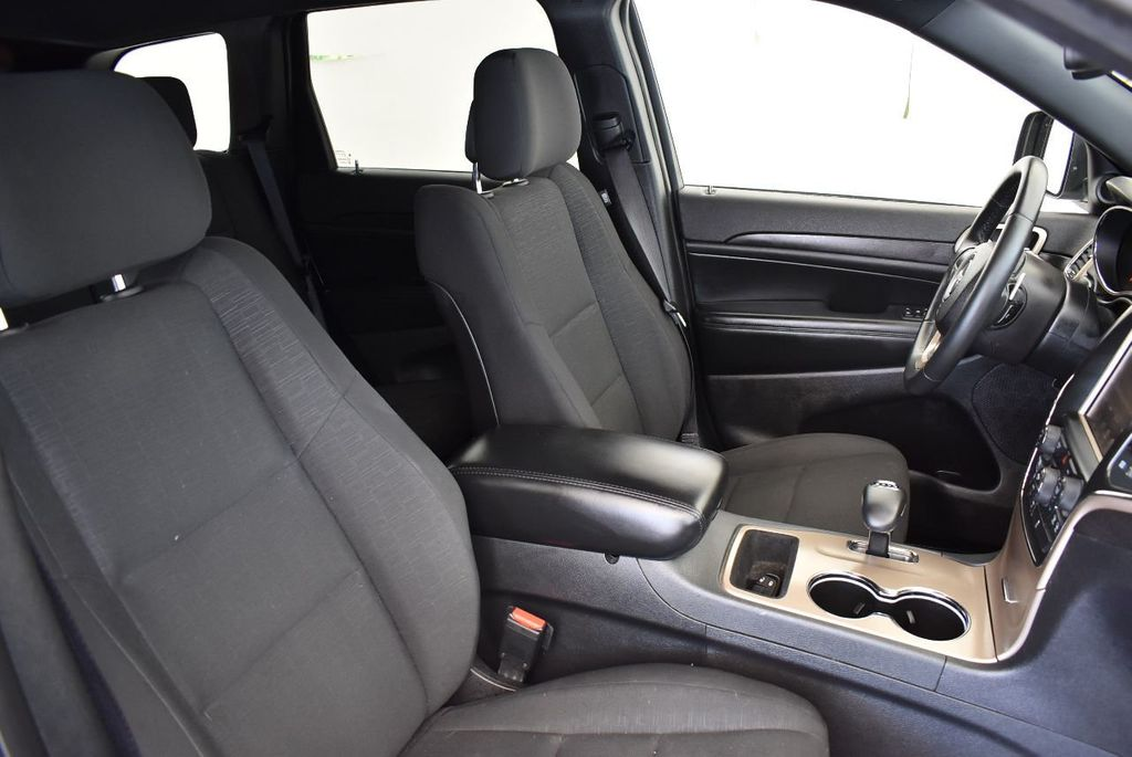 2015 Jeep Grand Cherokee 4WD 4dr Laredo - 17875117 - 24
