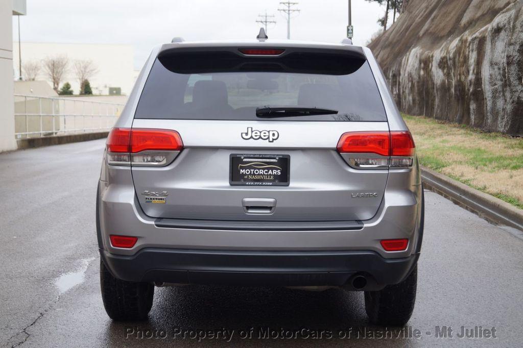 2015 Jeep Grand Cherokee 4WD 4dr Laredo - 18527738 - 9