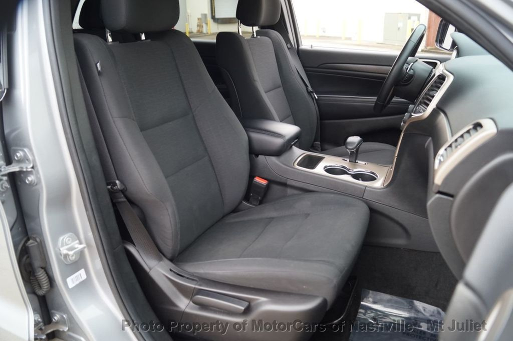 2015 Jeep Grand Cherokee 4WD 4dr Laredo - 18527738 - 23