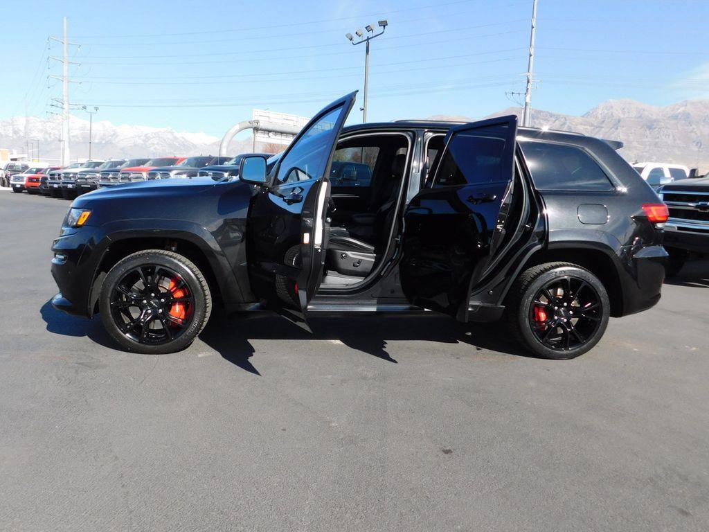 2015 Jeep Grand Cherokee SRT - 18431982 - 20