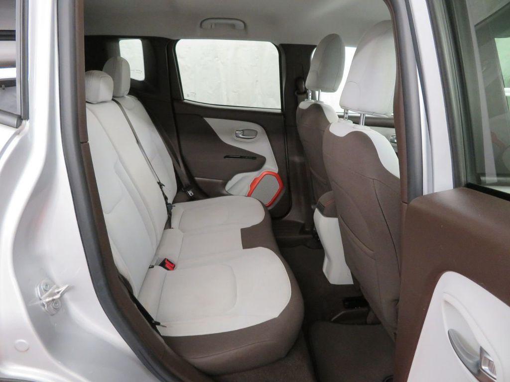 2015 Jeep Renegade 4WD 4dr Latitude - 18454174 - 21