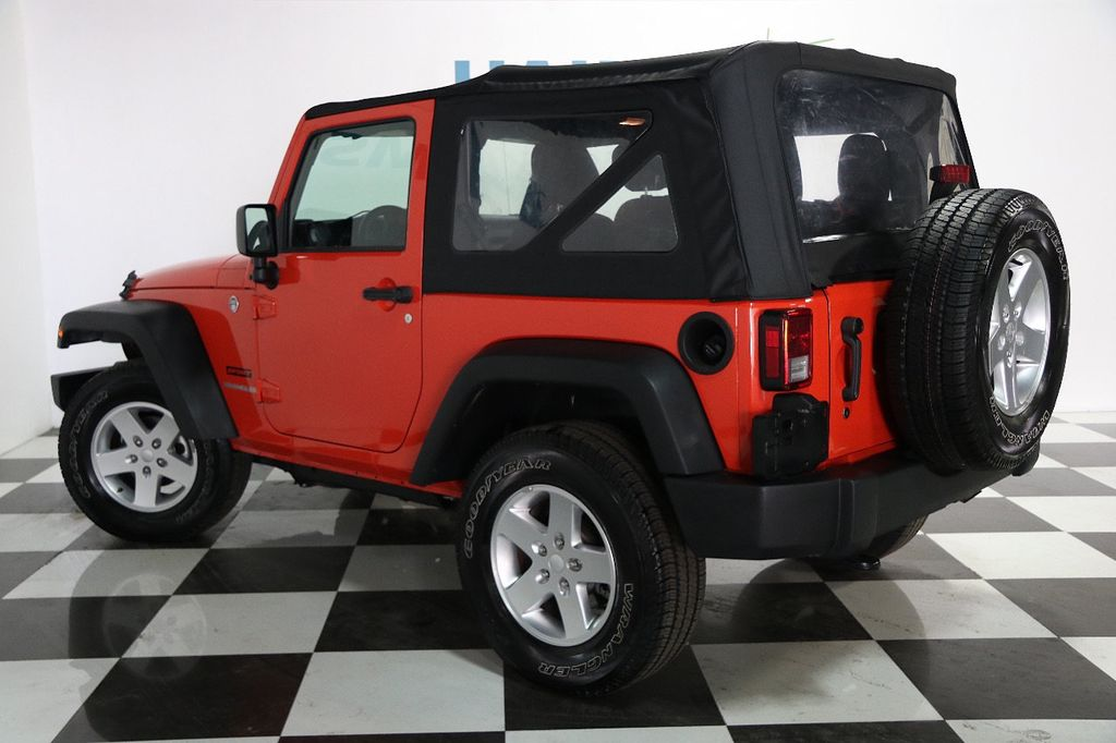 2015 Jeep Wrangler 4WD 2dr Sport - 16128698 - 3