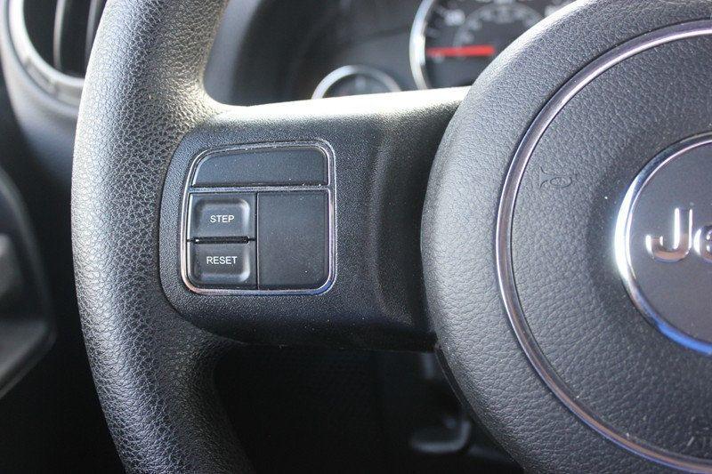 2015 Jeep Wrangler 4WD 2dr Sport - 18917777 - 8